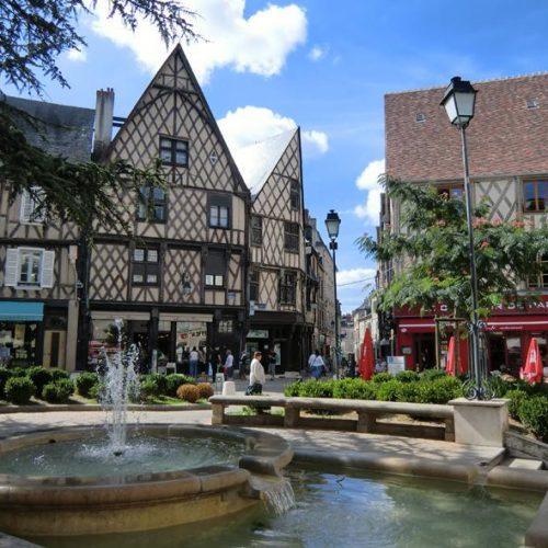 location tpe Bourges et dans le Cher